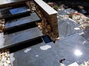 MJS-escalier-en-adroise-et-muret-avec-couvertines-dans-l-isere